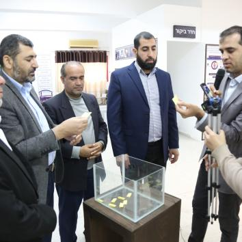 """وزارة الأسرى ومكتب إعلام الأسرى ينظمان مسابقة """" حريتكم أغلى """""""